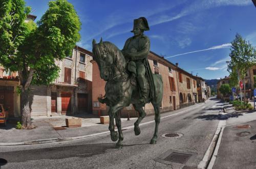 L'Empereur Napoléon Bonaparte (Laffrey) de passage à Barrême (dpt 04)